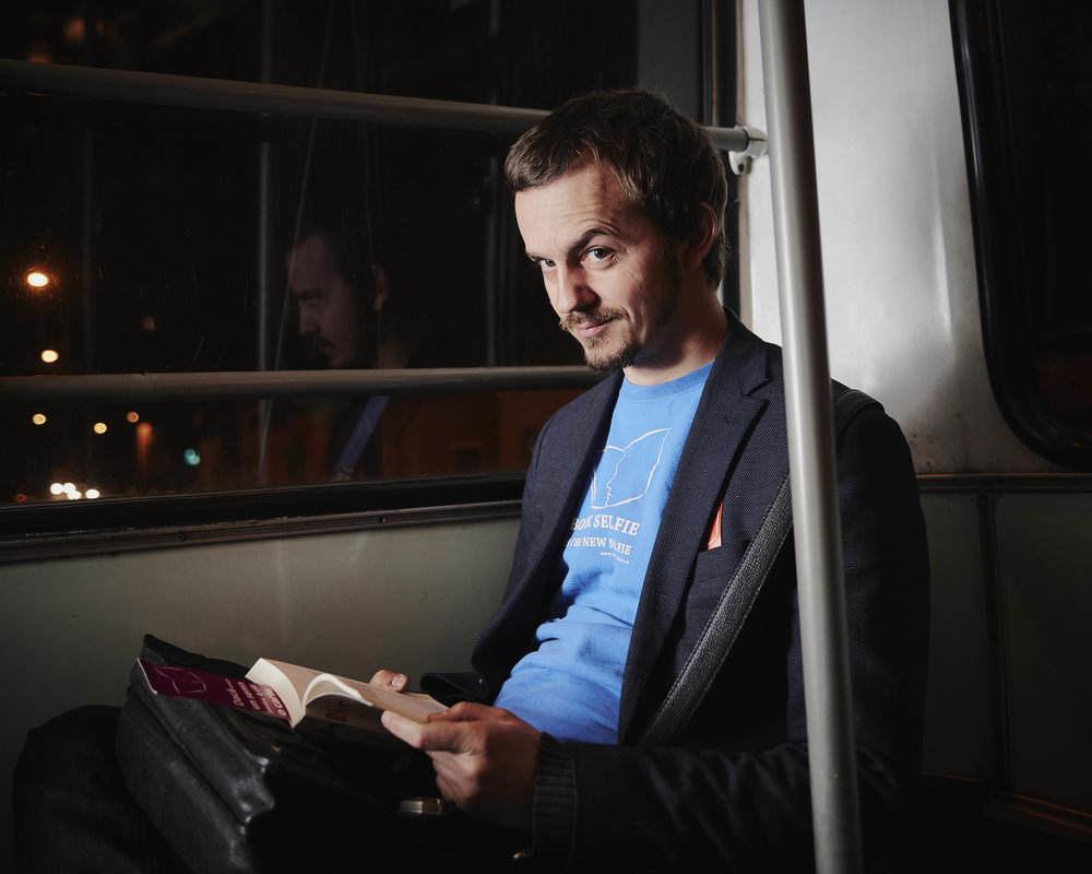 Victor Miron Cărțile pe față Foto credit: Nicolas Friess