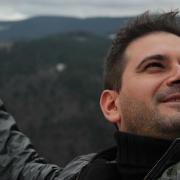 Adrian Cutinov, scriitor de cuvinte destinate celor cu un dram de emoție