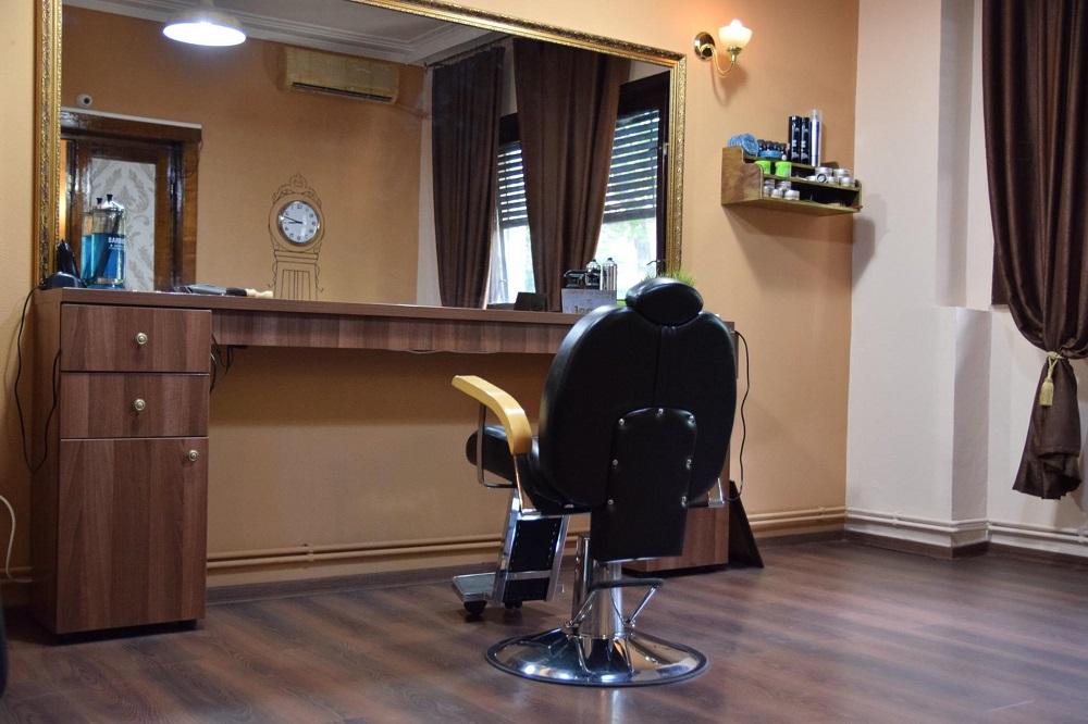Frizeria București, Frizeria cu un singur scaun