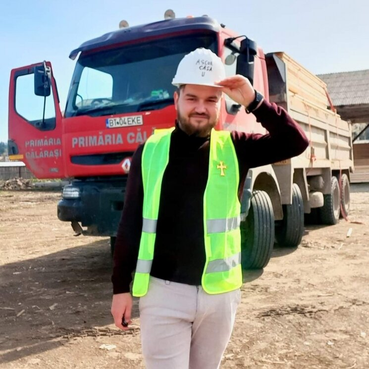 Andrei Mocanu Împreună ridicăm o casă